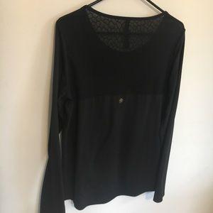 GAIAM Black Long Sleeve lace Back lounge shirt